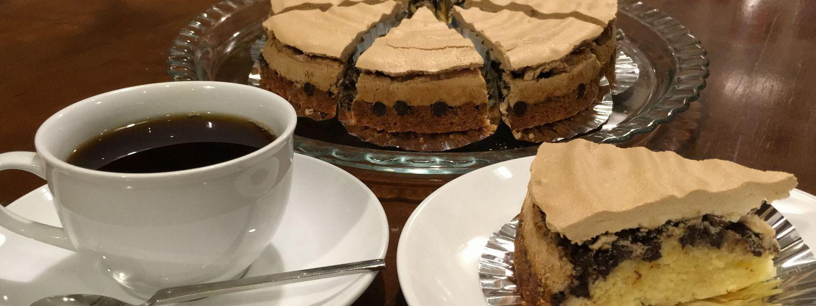 3種類の自家製ケーキはこすたりかオリジナル